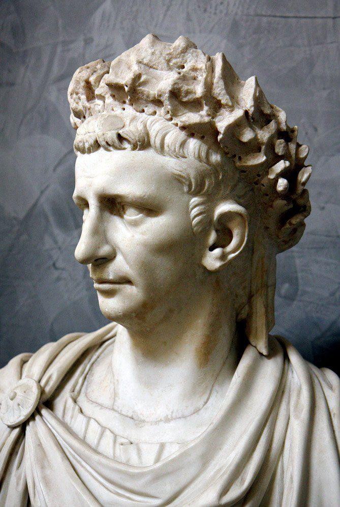 Tiberius Claudius Caesar Augustus Germanicus (Claudio)