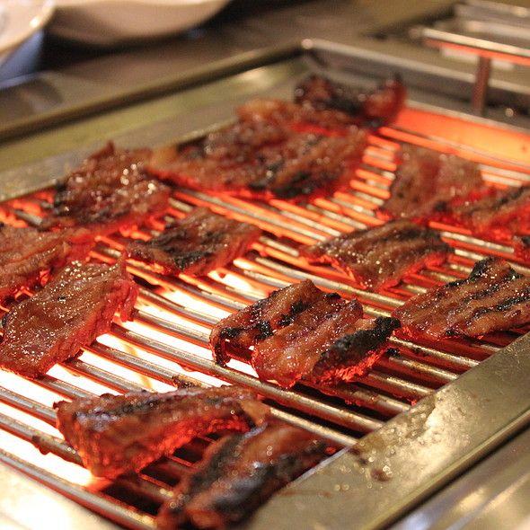 Sariwon Korean Bbq Restaurant Toronto Kalbi Bbq Grilling Toronto Food Toronto Restaurants Korean Bbq Restaurant