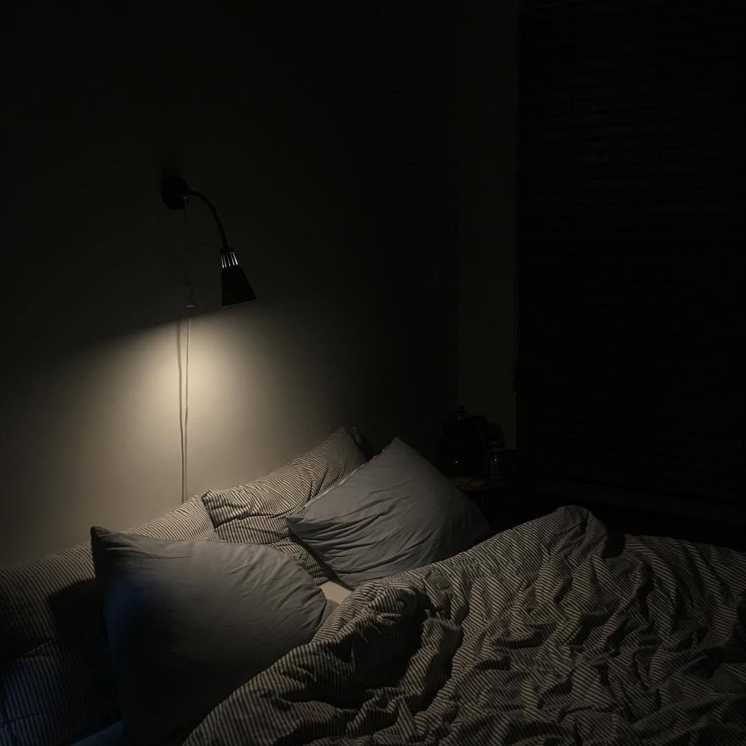 Pin by Auliya Fairuzalvina on aes; bts. | Aesthetic bedroom, Night  aesthetic, Dark bedroom aesthetic