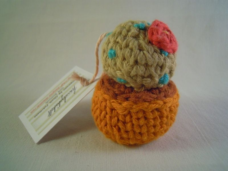 Amigurumi:+runder+Kaktus+im+kupfer-orange+Topf+von+NF+Imagine+auf+DaWanda.com