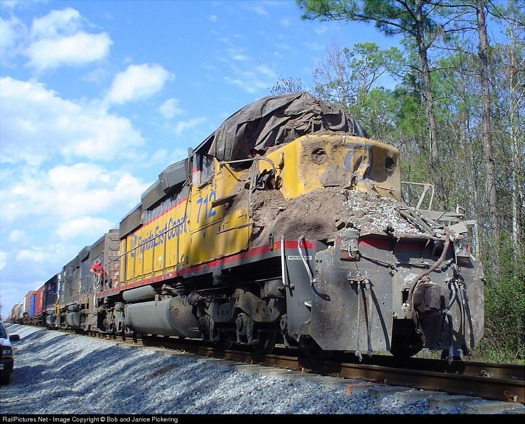 Florida East Coast 712 Crashed into a tunnel Florida