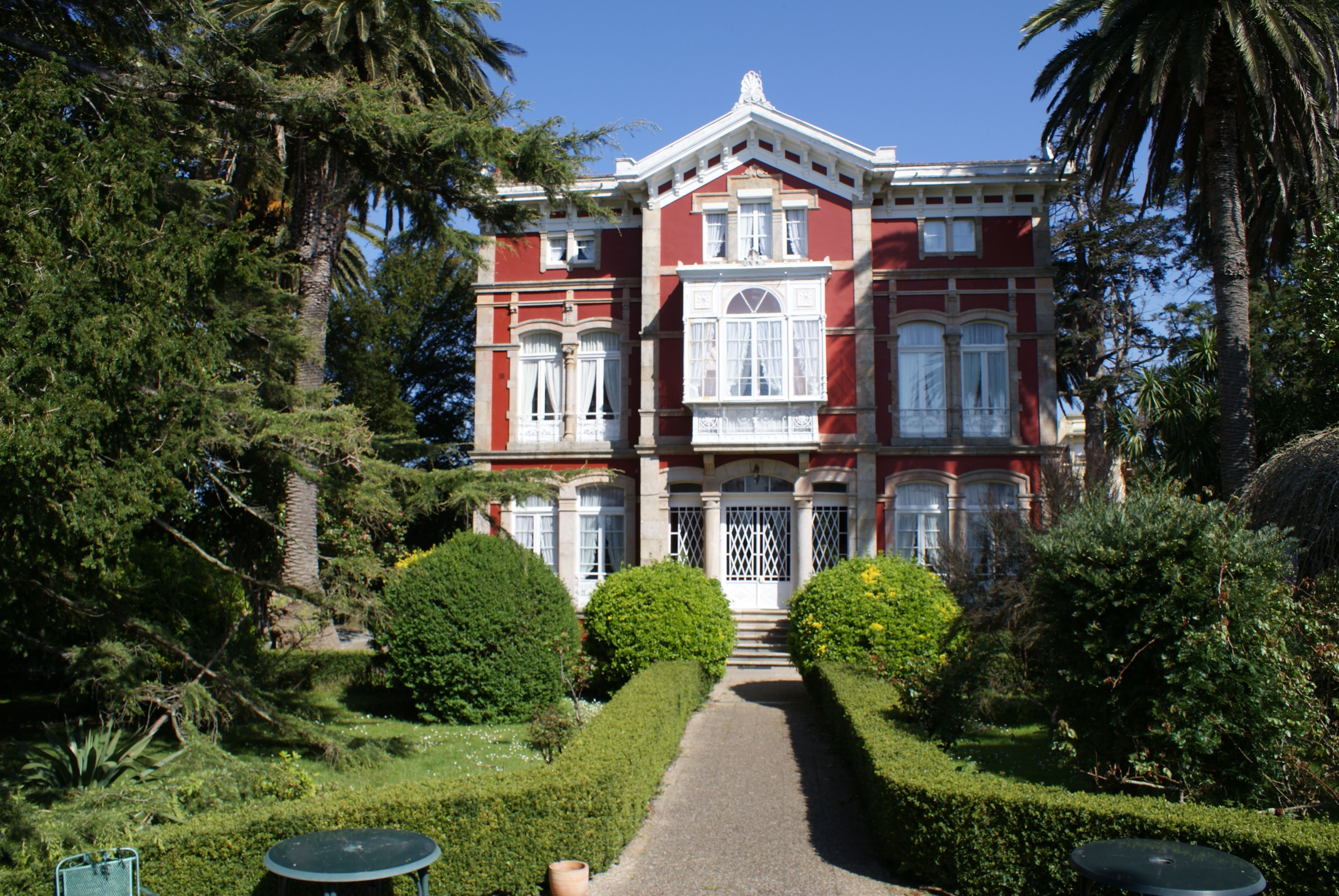 Villa La Argentina Palacio Indiano De 1899 Luarca Asturias Espa A  # Muebles Luarca Asturias