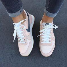 Moda Femenina – Como Vestir Bien   Zapatos nike, Zapatillas ...