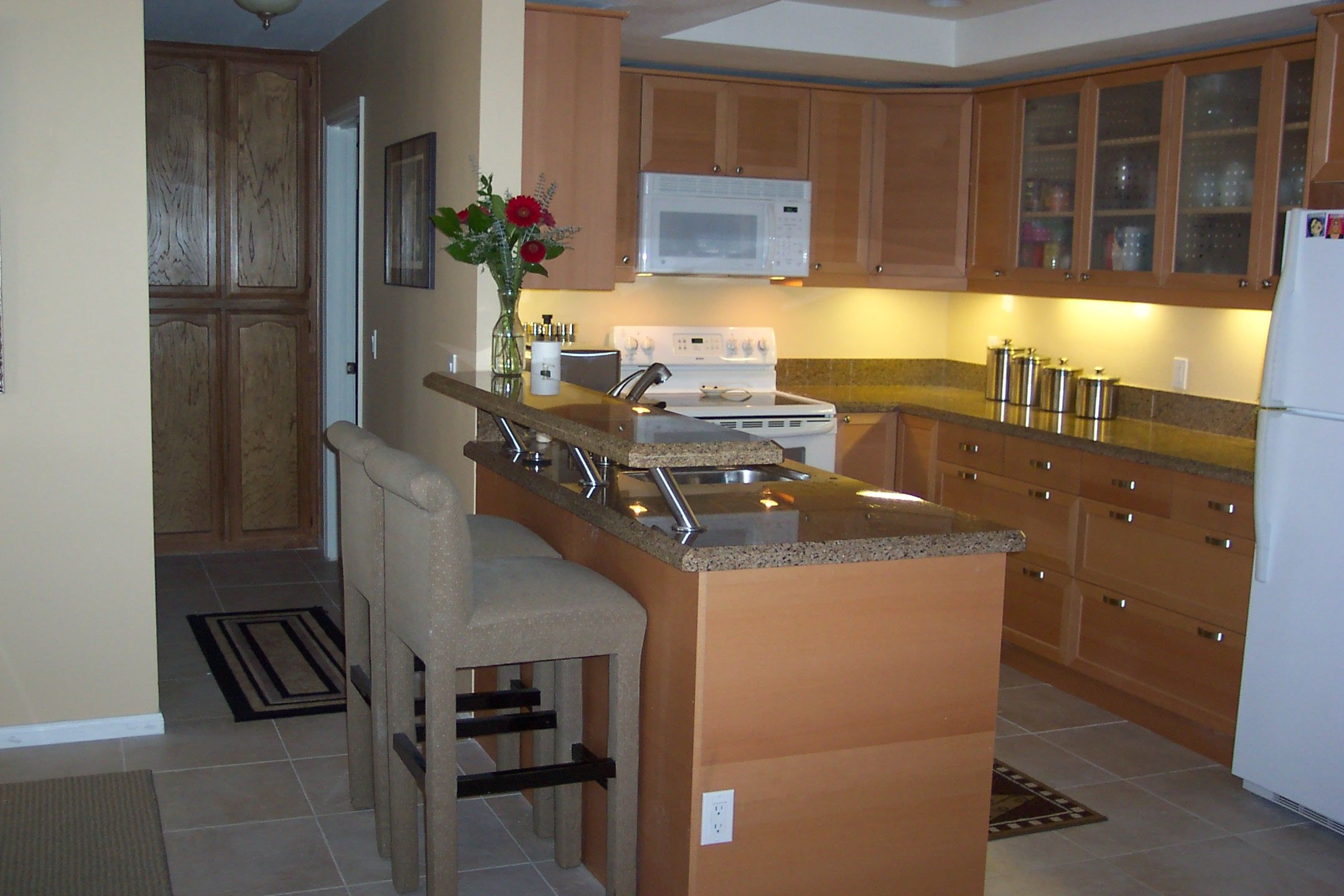 Small Kitchen Countertop Best Kitchen Counter Material With Modern Two Tier Kitchen Islands