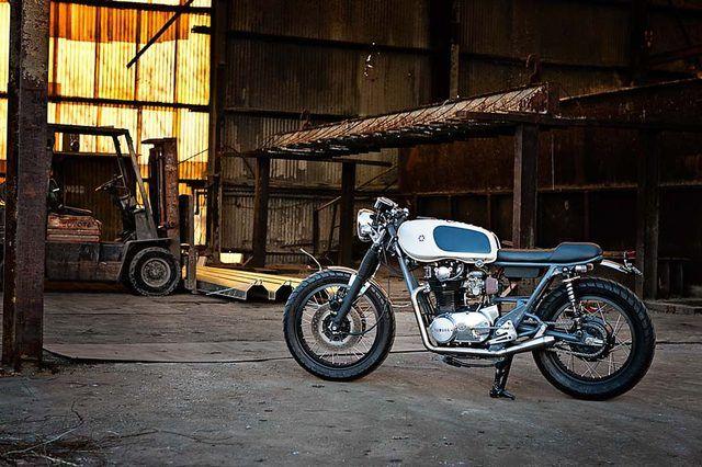 オーストラリアのカスタムビルダー SixtySix Motorcyclesのセンスが光る、日本車ベースのカスタムたち