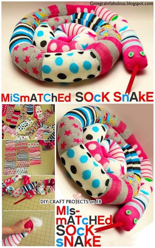 DIY Mismatched Socken Schlange #kreativehandwerke