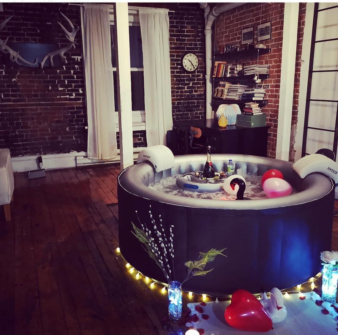 Tu Peux Maintenant Te Faire Livrer Un Spa Gonflable A La Maison Pour Toute Une Soiree A Montreal Spa Gonflable Jacuzzi Gonflable Et Gonflable