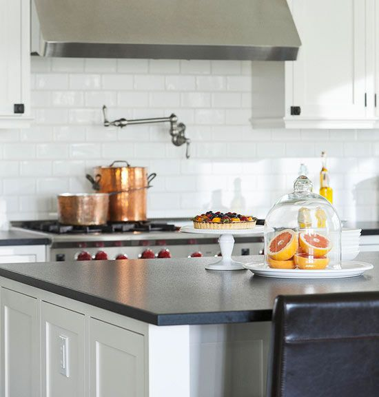 Best Traditional Home Kitchens Benjamin Moore Cloud White 400 x 300