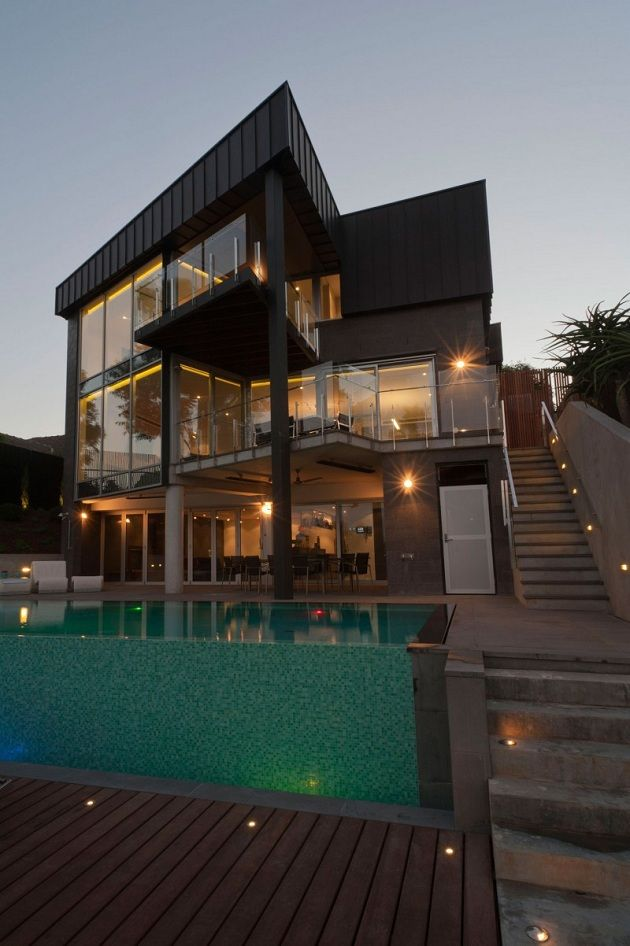 Beachfront Luxury Modern Home Exterior At Night: Dream House In Melbourne By Grant Maggs Architects