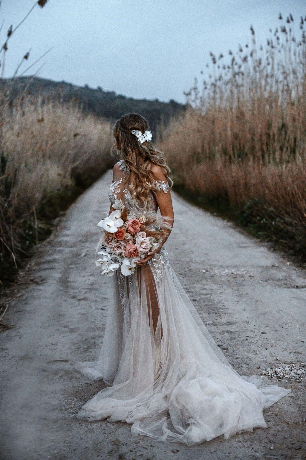 G 301 Collection No Viii Bridal Dresses Galia Lahav Country Wedding Dresses Dream Wedding Dresses Western Wedding Dresses [ 1536 x 1024 Pixel ]