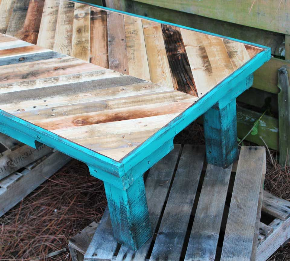 Stain and then paint with chalk paint turquoise and burnt orange for outside patio tablellet wood coffee painted with annie sloan chalk paint beachbumlivin geotapseo Image collections