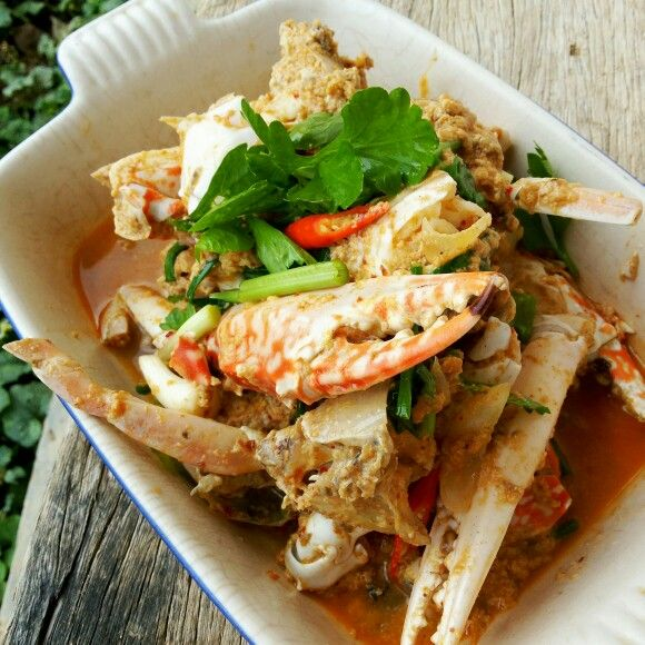 Sauteed crabs in curry