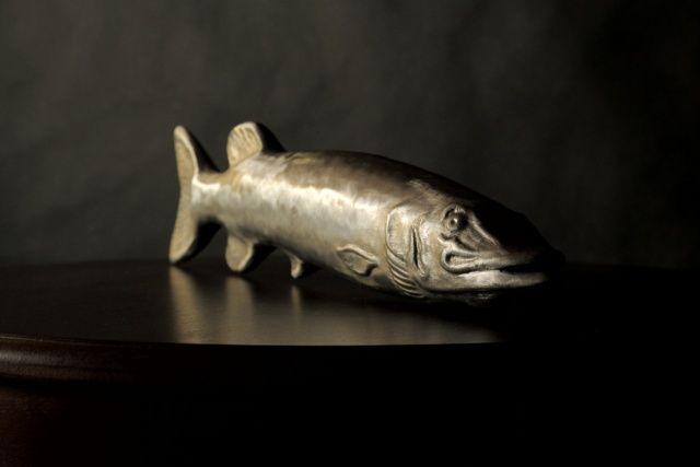 Copper and zinc metal-worked fish by Rextorn