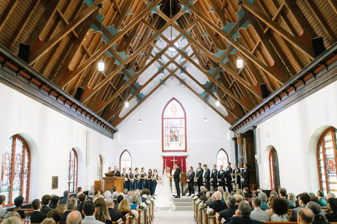 St Luke S Chapel Wedding Ceremony In Charleston Sc Lowndes Grove Wedding Chapel Wedding Charleston Wedding Photographer