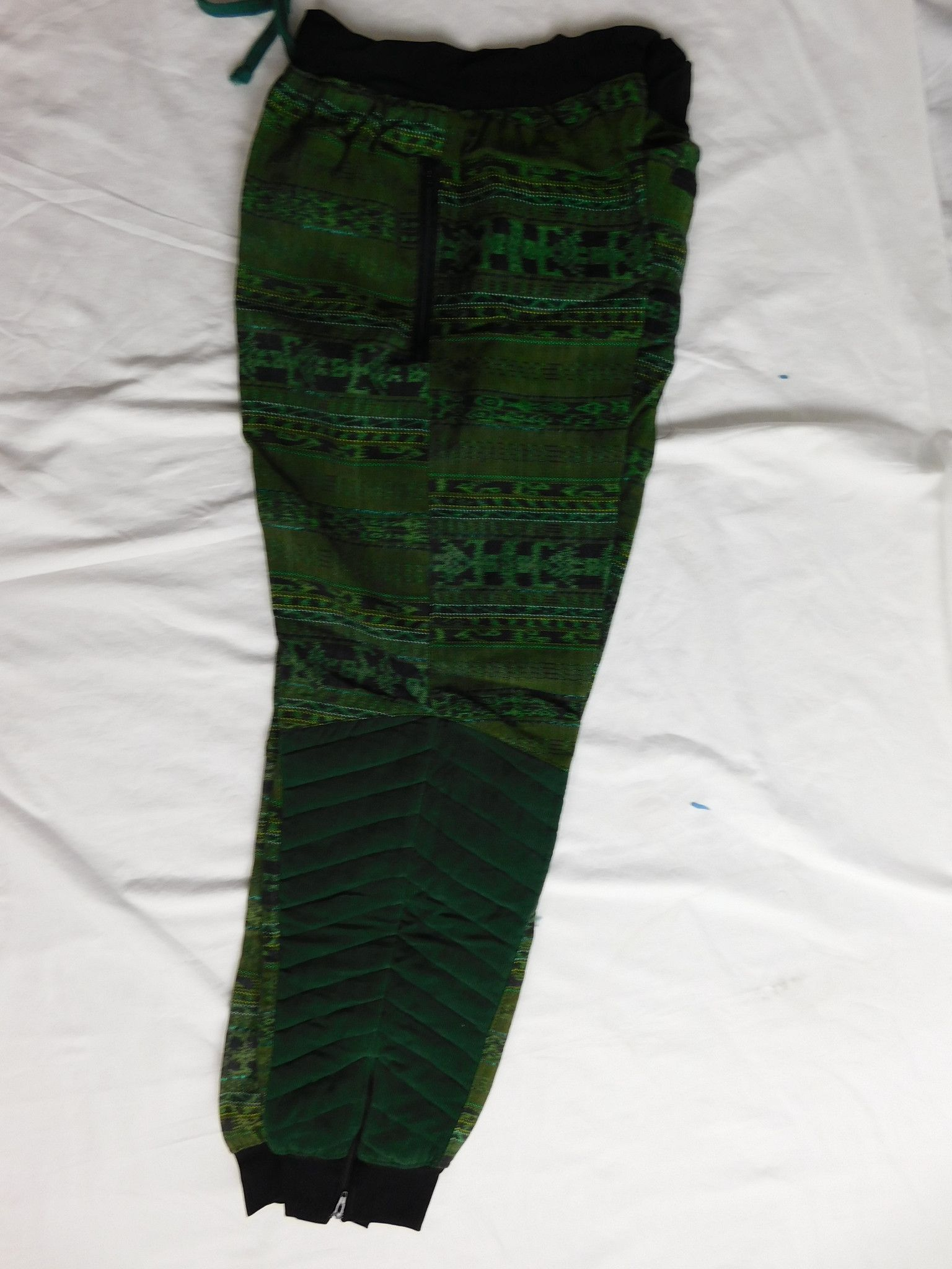 Joggers pants in hand woven cotton with quilted accents
