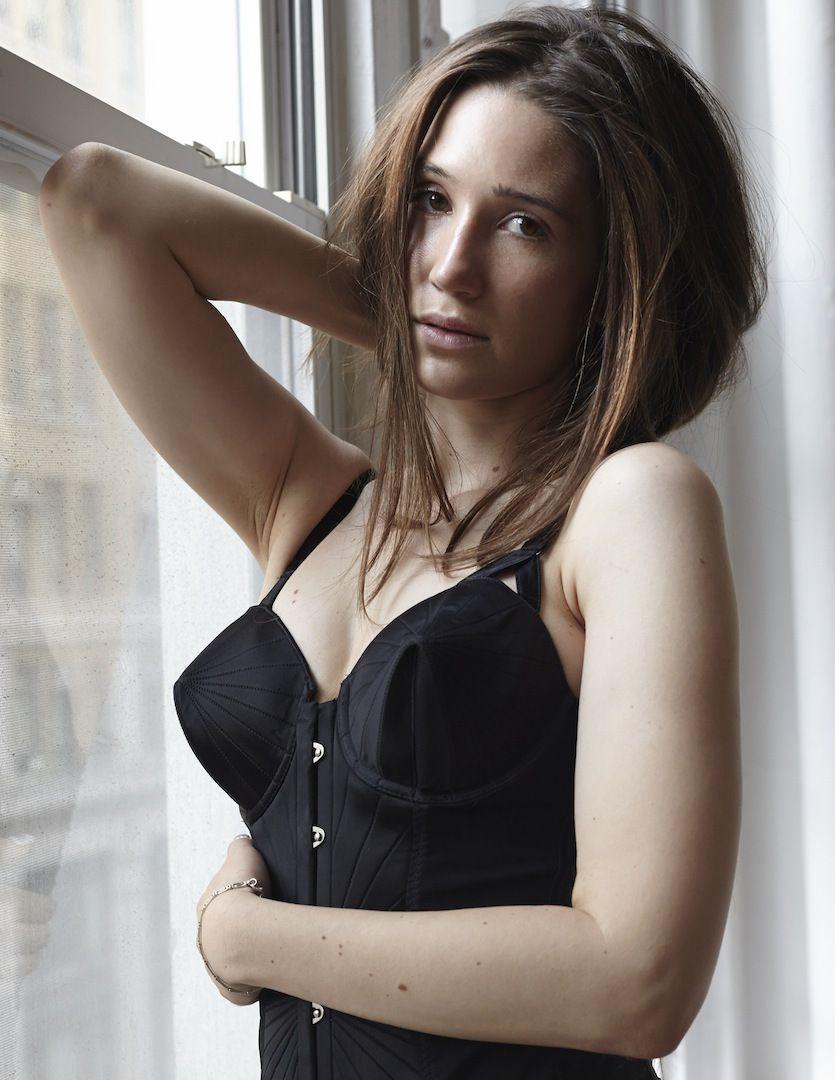 Taryn Andreatta Nude Photos 19