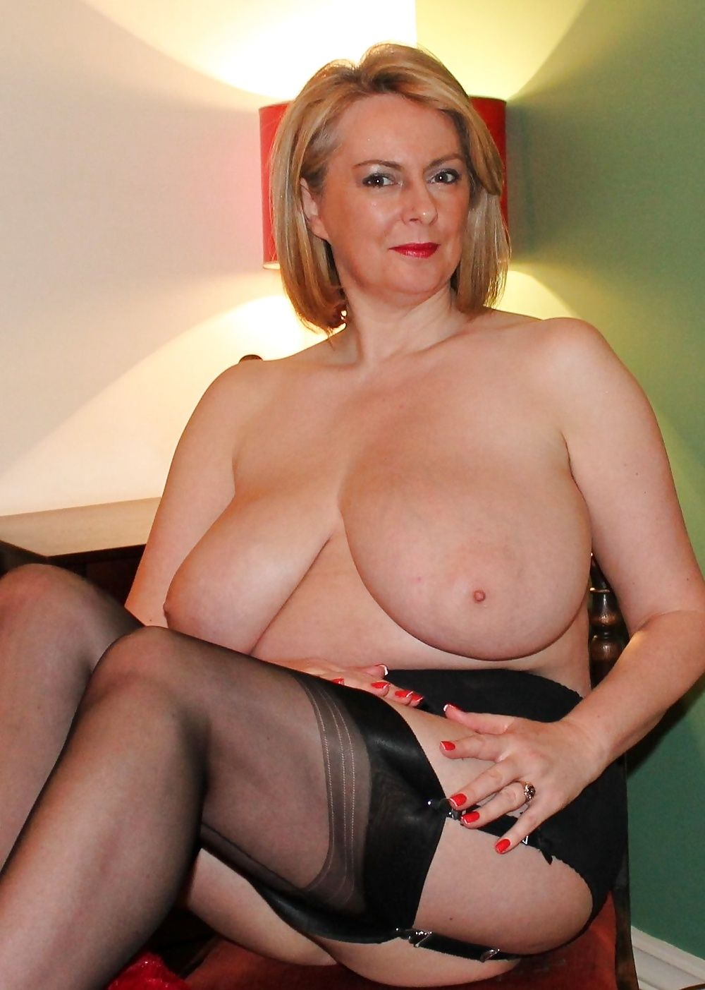 Picture sexy mature boobs photos montreal men