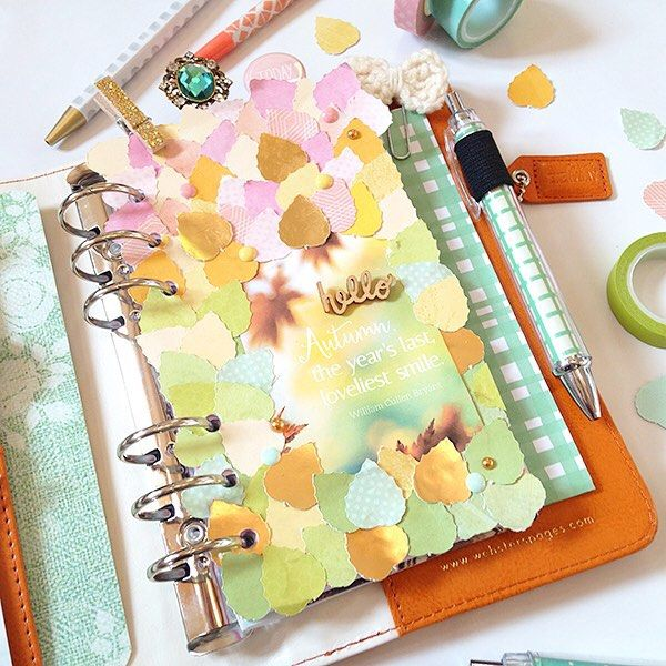 Less than 2 hours until the class begins! Here's another peek at one of our projects included in this class! @chelleydarling shows you in one of her projects how to this incredible paper pieced dashboard! It's stunning! She also included 6 free printable sheets including journal cards papers and more! Can you guess what season she has? Class begins at 5 pm with the debut of Part one! Halloween and Fall! So many of you are joining us it's going to be a party! #cantwait…