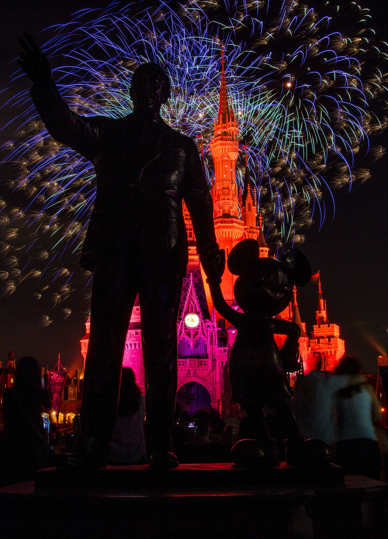 Disney Parks After Dark: Walt, Mickey & Plenty of 'Wishes' At Magic