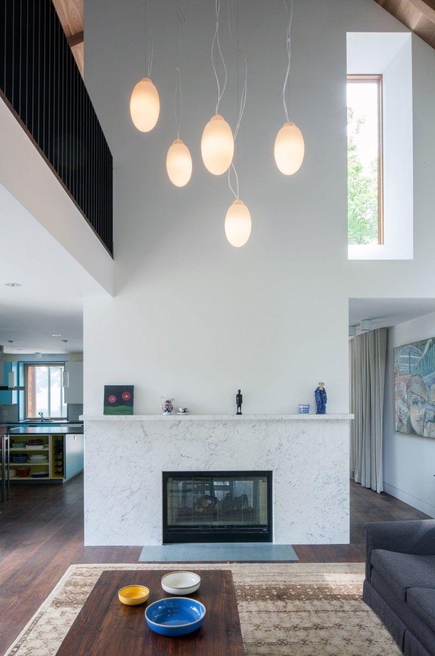 Innenarchitektur für wohnzimmer für kleines haus waterfront farm residence in kanada wurde von der architekturfirma
