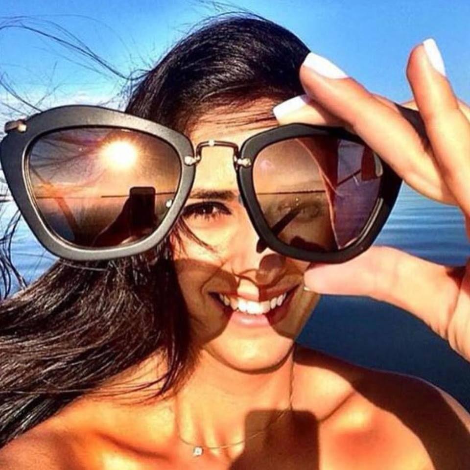 4258fe17fc09c  miumiu  praia  ferias  oculos  sol  verao  calor  oculosespelhado   espelhado  gatinho  cateye  oticaswanny  wanny