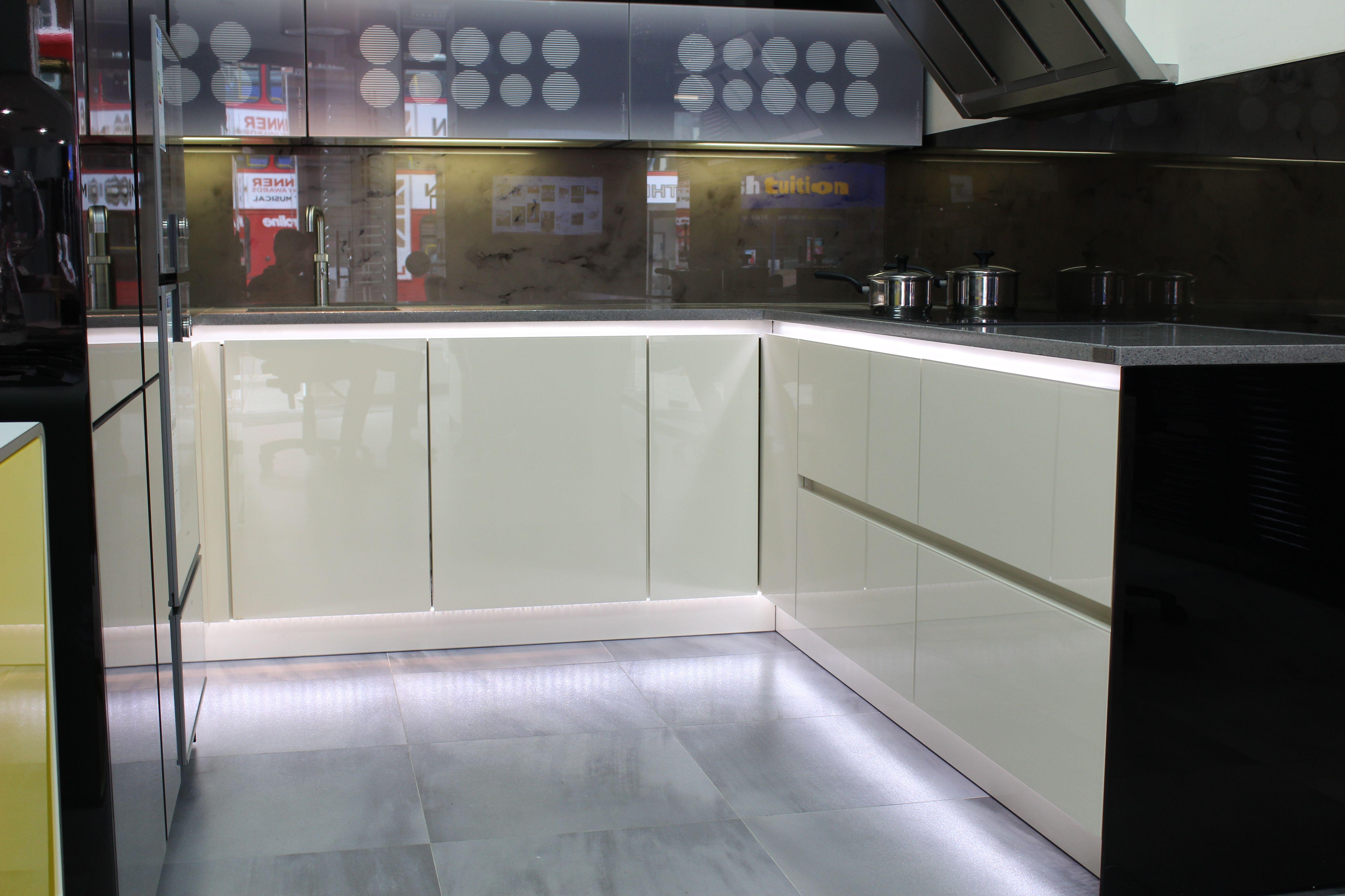 Beste Maßgeschneiderte Luxusküchen London Bilder - Küche Set Ideen ...