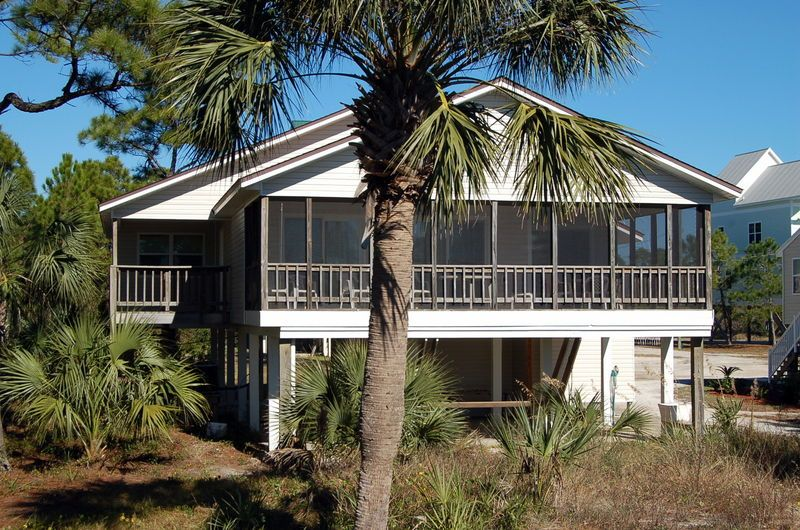 Dolphin cove gulf front vacation rental that sleeps 10