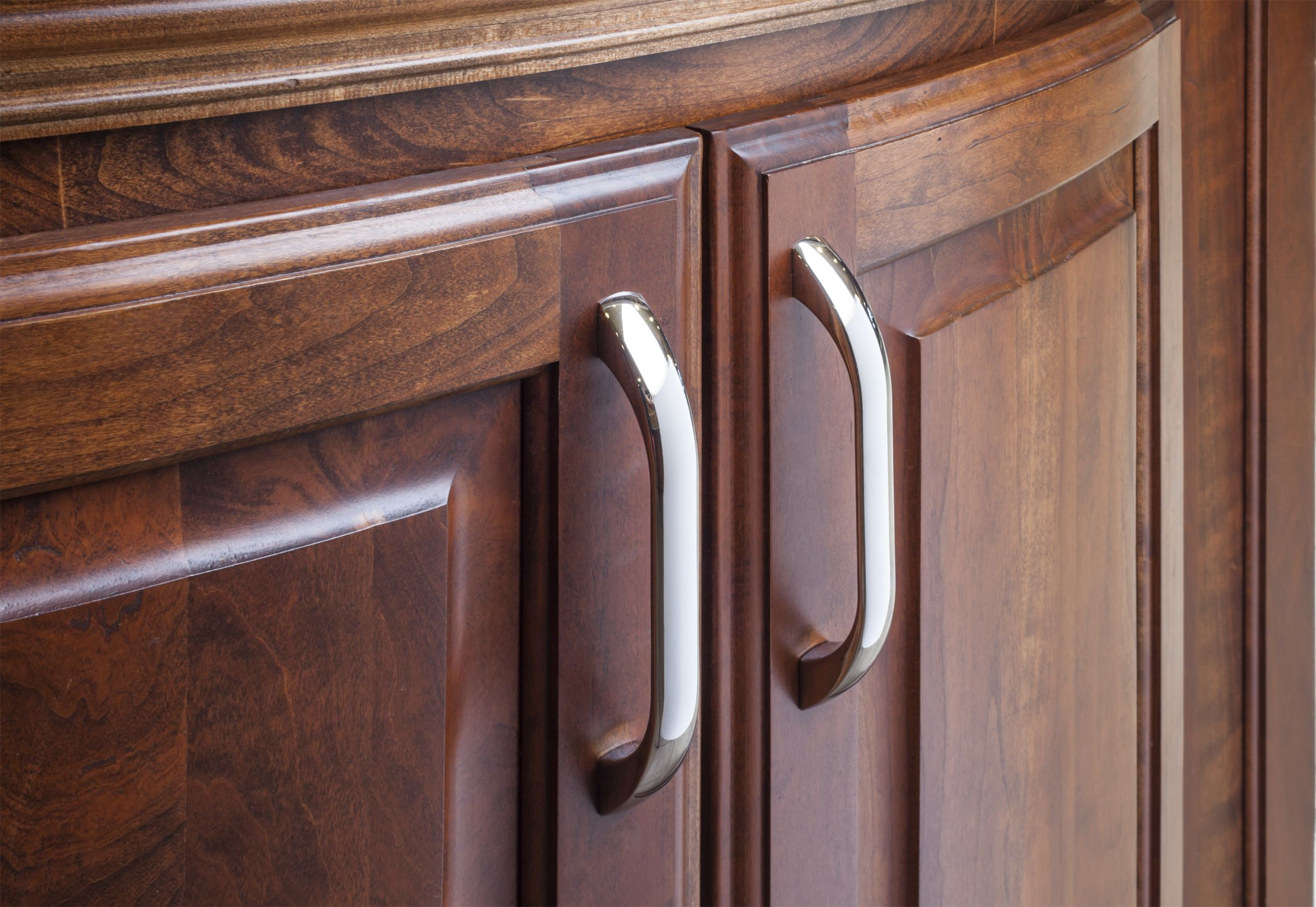 Sonoma Cabinet Pulls From Jeffrey Alexander By Hardware Resources 4128pc Shown In Use Hardware Resources Cabinet Hardware Jeffrey Alexander
