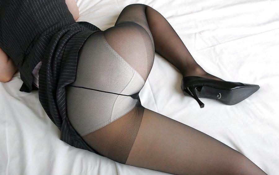 Black pantyhose white panties