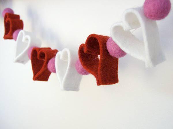 une guirlande de coeurs pour la st valentin bricoles. Black Bedroom Furniture Sets. Home Design Ideas