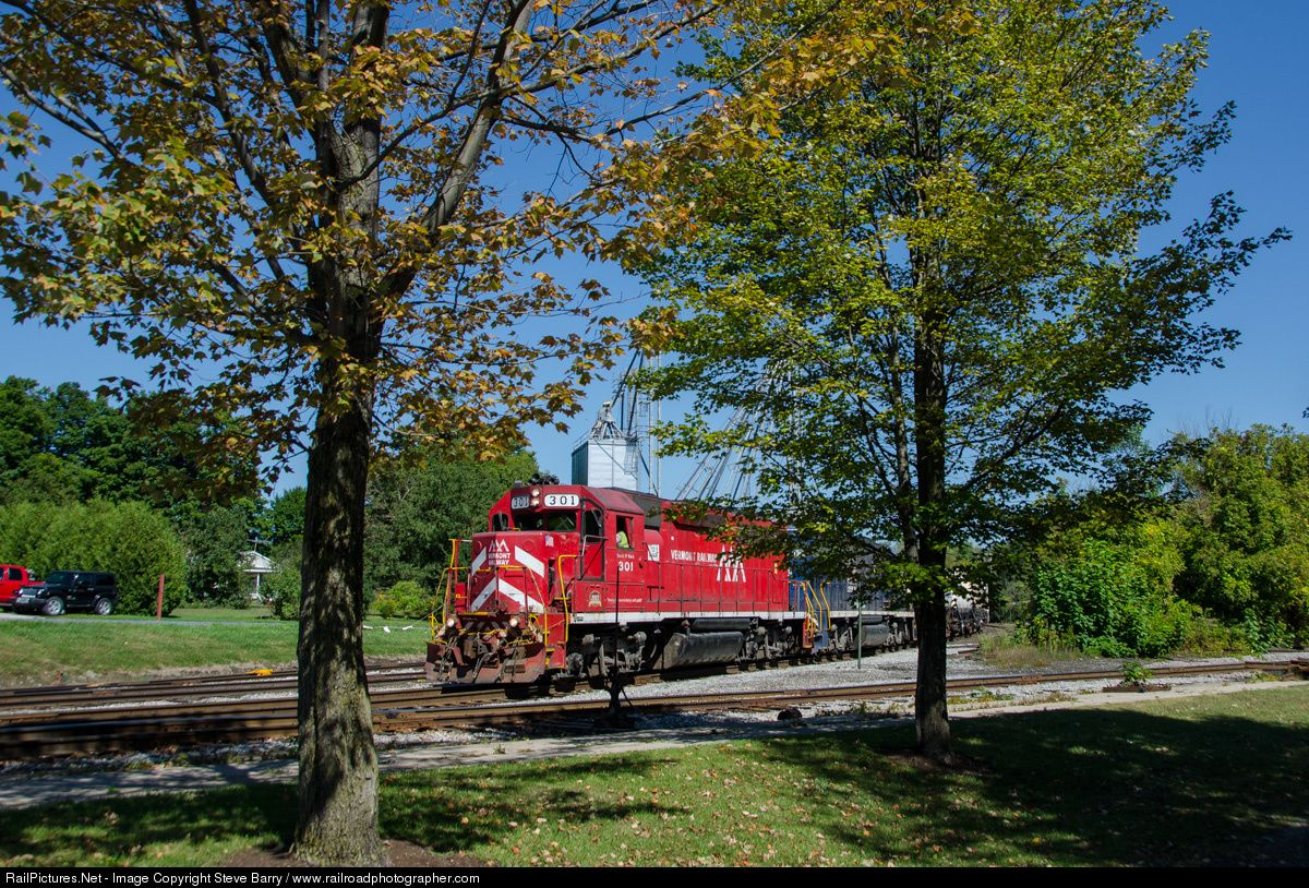 Photo vtr 301 vermont rail system emd