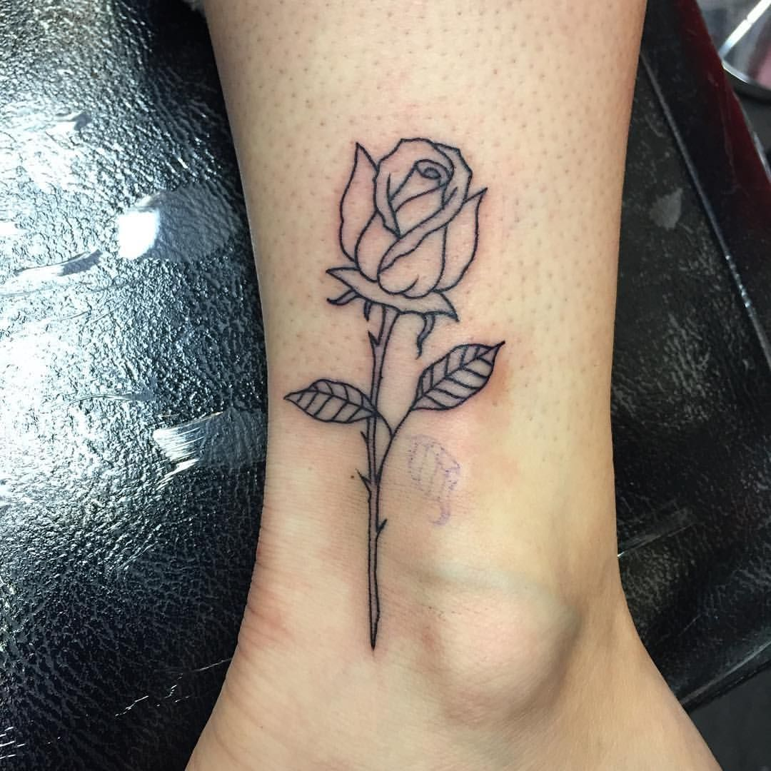 Simple Rose Outline Done Today Powerhousetattoo Tattoos Rosetattoo Simple Rose Tattoo Neck Tattoo Rose Tattoos