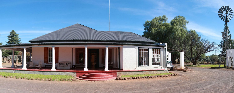 Karoo farm luxury holidays homesteading house home haus homes houses