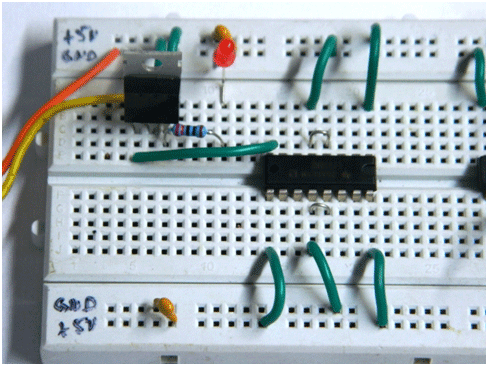 Image of L293D Motor Driver circuit on Breadboard