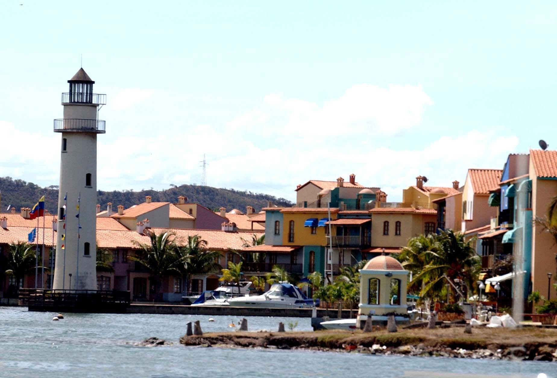 Paisaje De Puerto La Cruz Venezuela Venezuela Wonderful Places Caribbean Sea