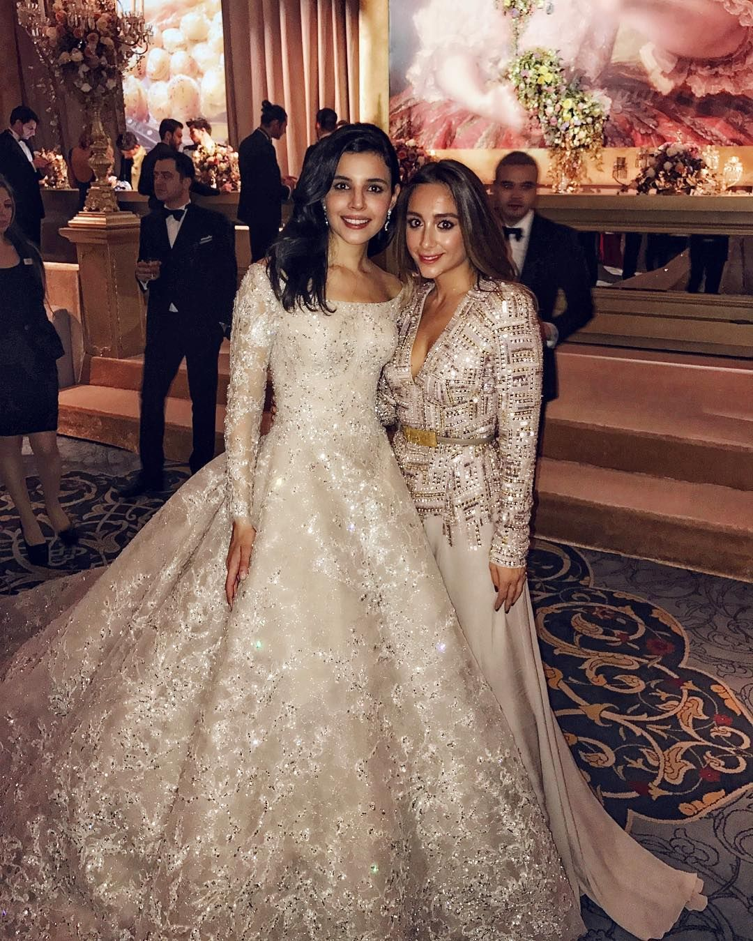 Wedding Gown Elie Saab: This Turkish Bride's Wedding Dress Looks Like A Work Of