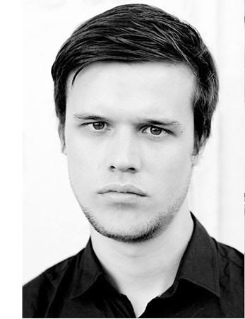 Harry McVeigh How could that voice match that face? Wow ...