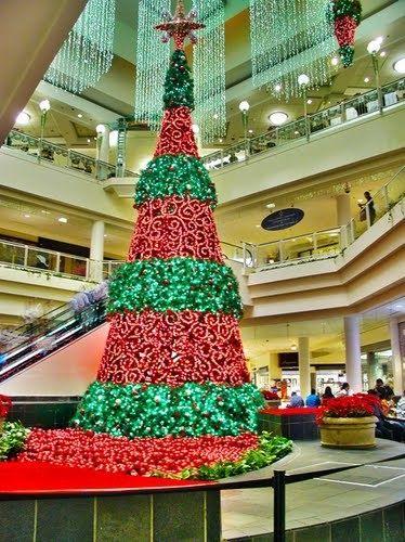 Christmas Tree At Plaza Las Americas Shopping Mall In San Juan P R Beautiful Christmas Trees Christmas Tree Christmas