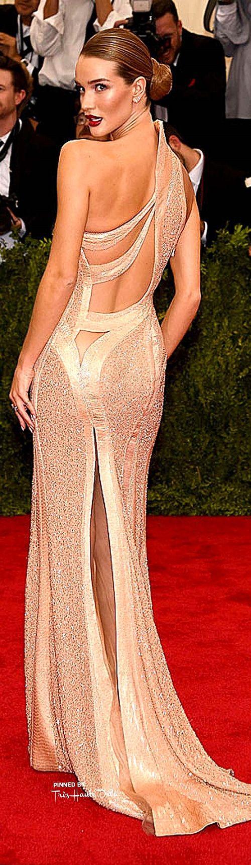 Versace wedding dress  Рози ХантингтонУайтли в Atelier Versace  Versace Design