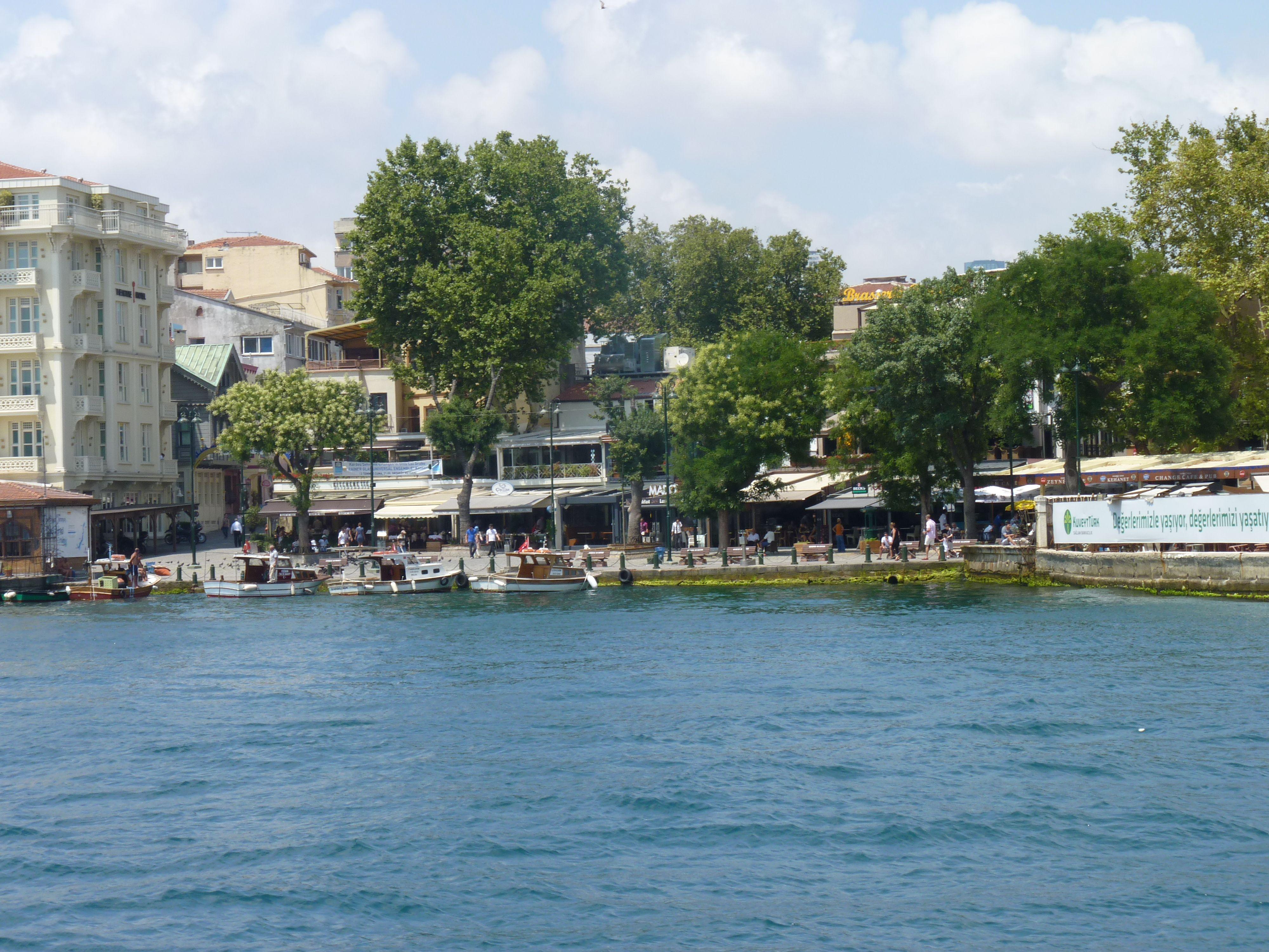 Estambul. Crucero por el Bósforo. Ortakoy.