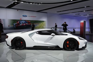 Ford Gt In White Detroit  Autoblog Japan