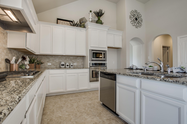 Sunset Pointe Little Elm, Texas - Dunhill Homes Kitchen ...