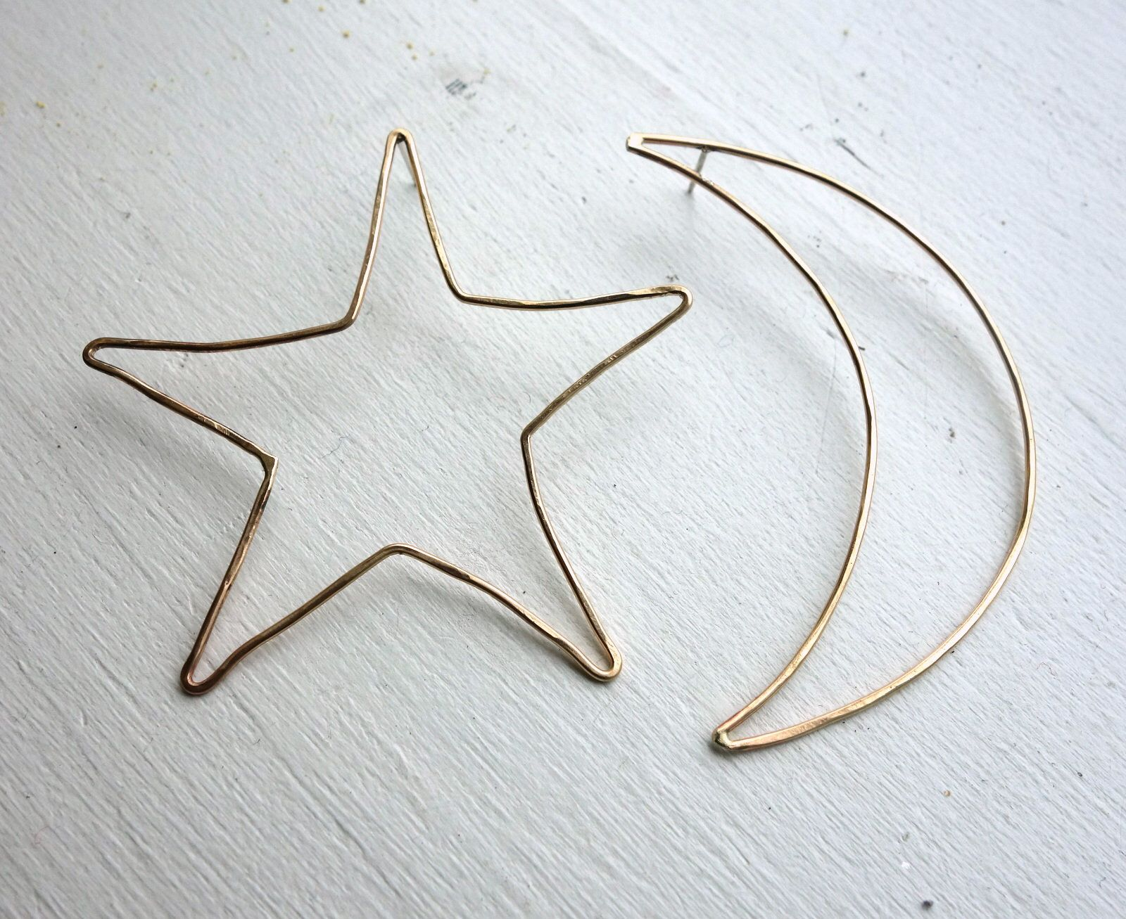 studs earrings mismatched alexis stud bittar