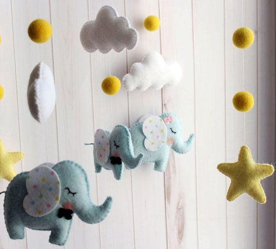 Baby crib mobile Elephant-baby mobilenursery por LoveCuteFelt