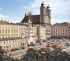 This is Linz, a nice town whit a lot of wonderful monuments.