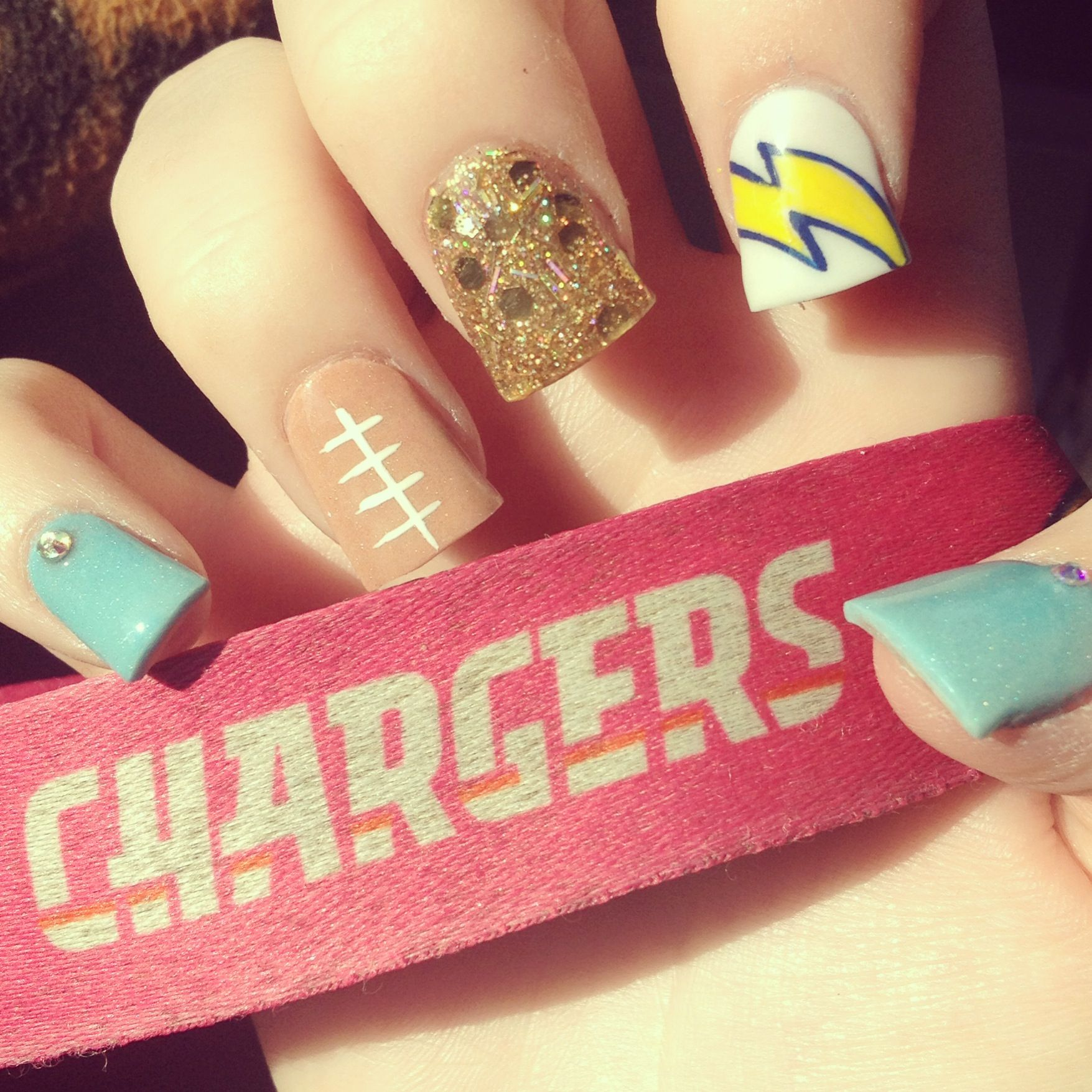 San Diego Chargers nails - adorable! I think football loving chicks ...