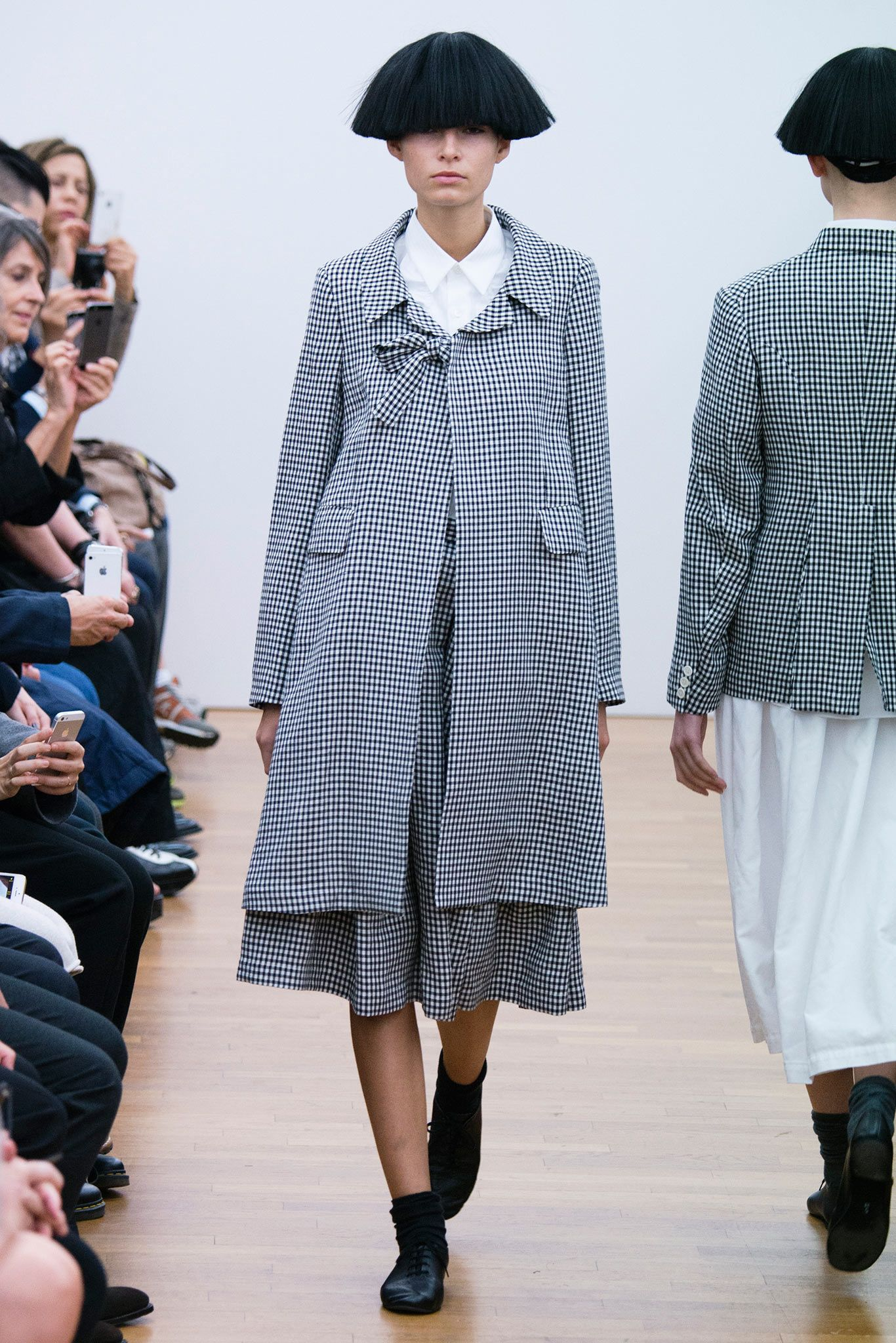 Comme des Garçons Comme des Garçons Spring 2015 Ready-to-Wear - Collection  - Gallery - Look 1 - Style.com 67f643aebf0