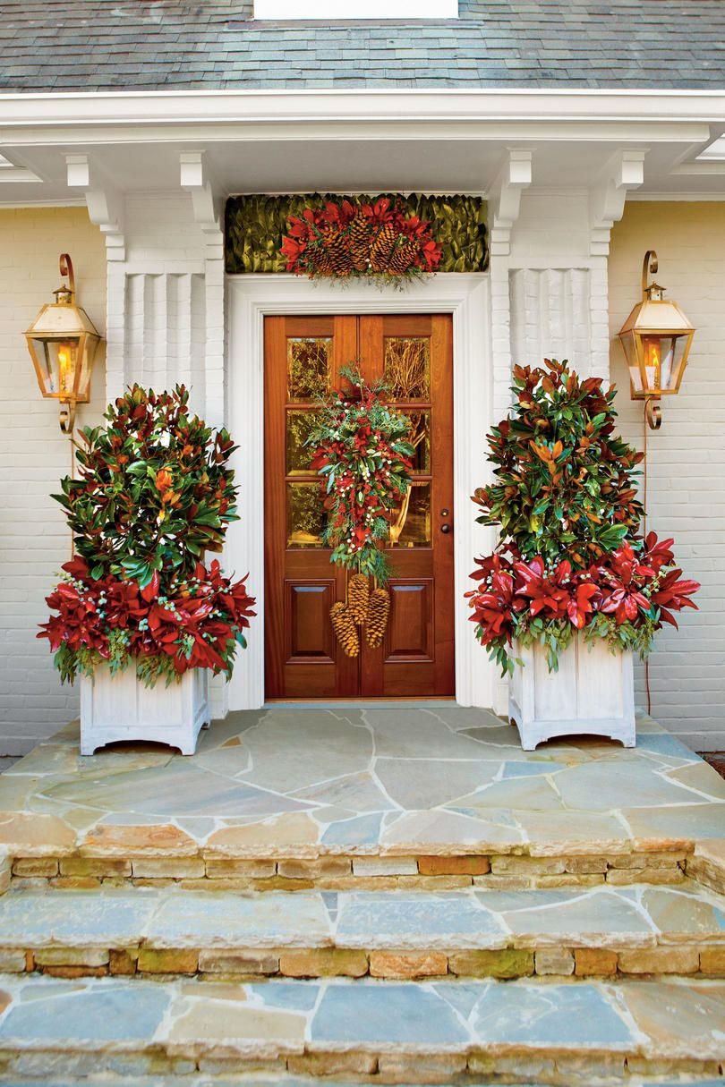 50 Farmhouse Christmas Decor Ideas For A Country Holiday Decorating With Christmas Lights Porch Christmas Lights Christmas Front Doors