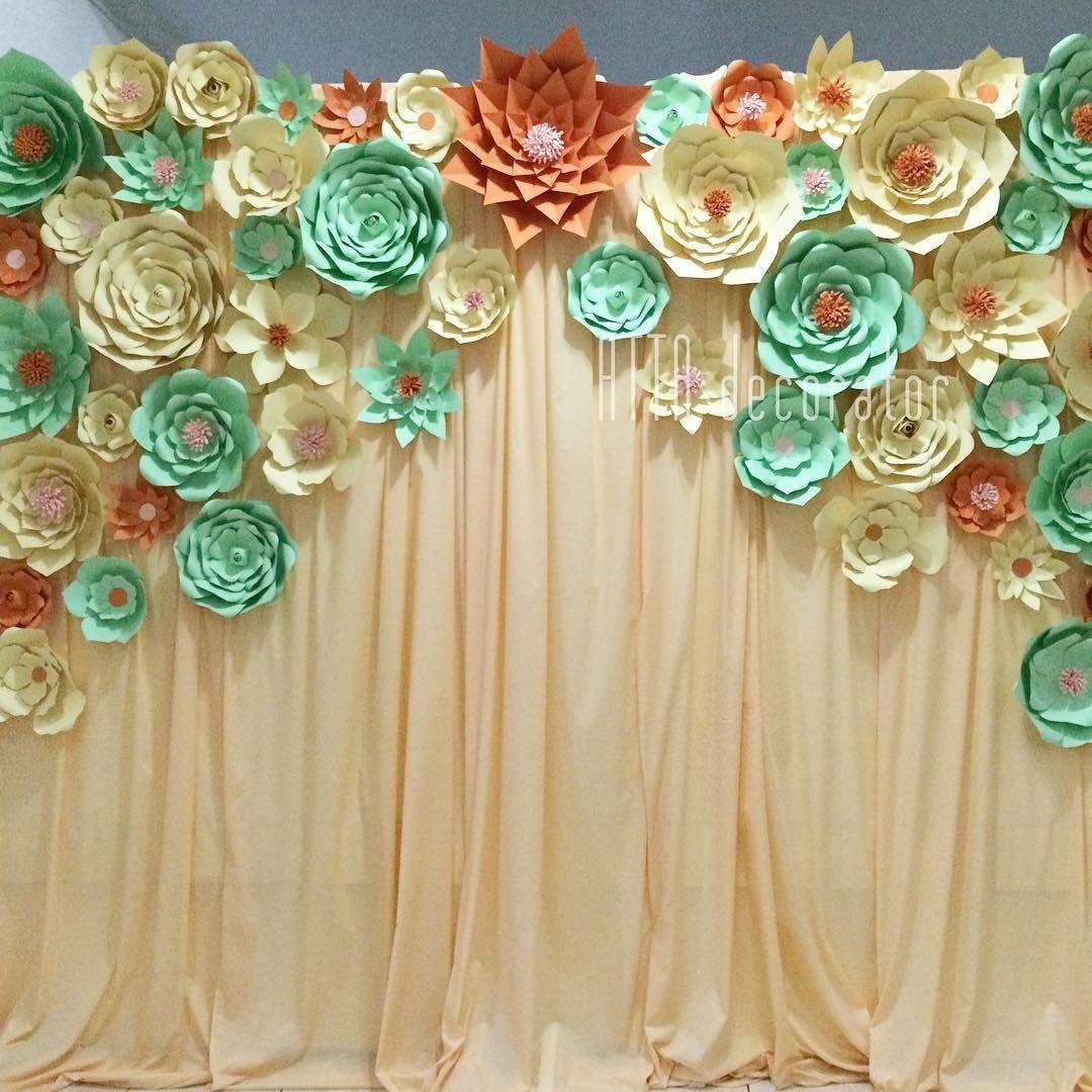 Decoración con flores de papel gigantes. #giantpaperflower ...
