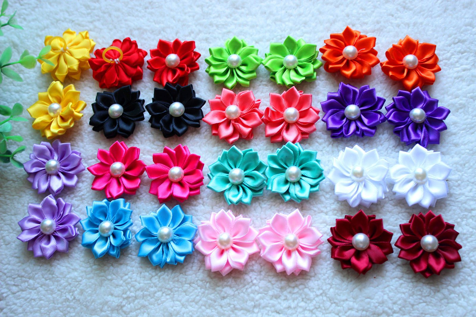 19ad0ee1b9488 $11.39 - 40Pcs Pet Dog Hair Bows Rubber Bands Flowers Pearls Pet ...
